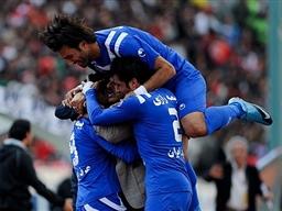 استقلال به راحتی به یک هشتم جام حذفی صعود کرد.