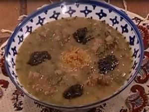 دستور طبخ آش زرشک برای مقابله با مضرات آجیل و شیرینی نوروز