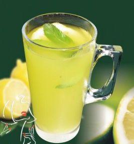 خوردن لیموترش با آب گرم ممنوع