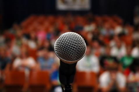 ۹ نکته ساده که سخنگویان بزرگ همیشه رعایت میکنند