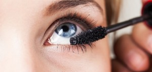 makeup-contact-lenses-702x336