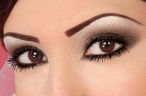 چطور با آرایش چشم ریز را درشت تر جلوه دهیم؟