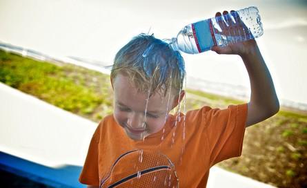 چگونه در هوای گرم آب بدنمان را حفظ کنیم؟
