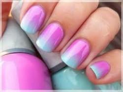 رنگ لاک مناسب دست های شما