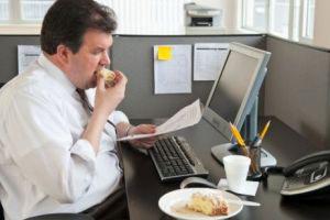 پنج ماده غذایی سودمند برای حفظ سلامتی کارمندان