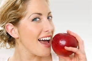 خوردن سیب با پوست ماهیچه ها را قوی می کند