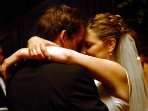 با زیاده خواهی شوهرم در رابطه زناشویی چه کنم؟