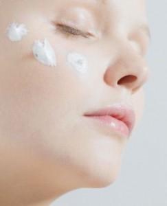 ضد آفتاب ها می توانند تاحدود ۹۷ درصد پوست را در مقابل اشعه خورشید محافظت می کند اما چگونه؟